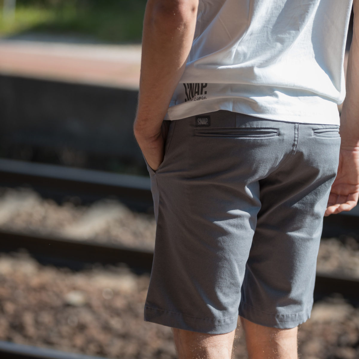 chino gris homme